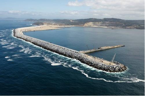 Resultado de imagen de puerto exterior de Langosteira, en A Coruña